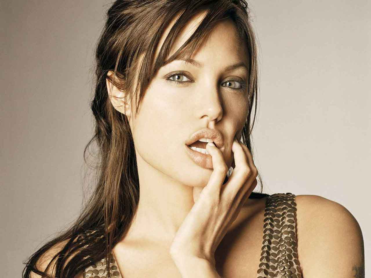 Sexiest And Hottest Hollywood Actresses