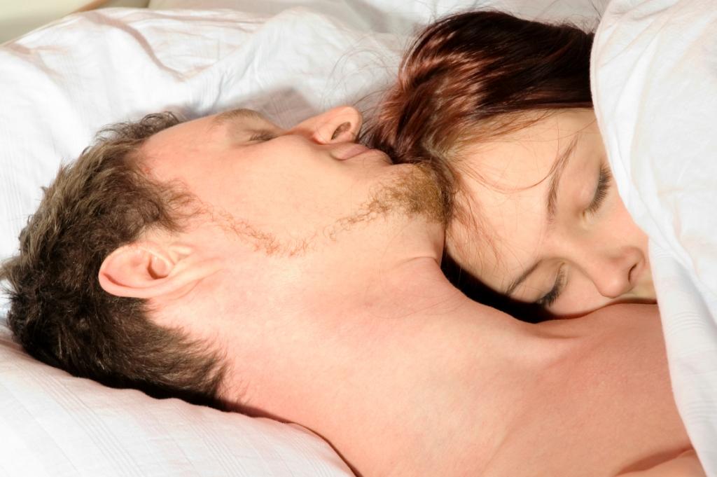 benefits of sleeping nude